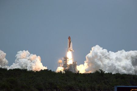 800px-STS-125_launch